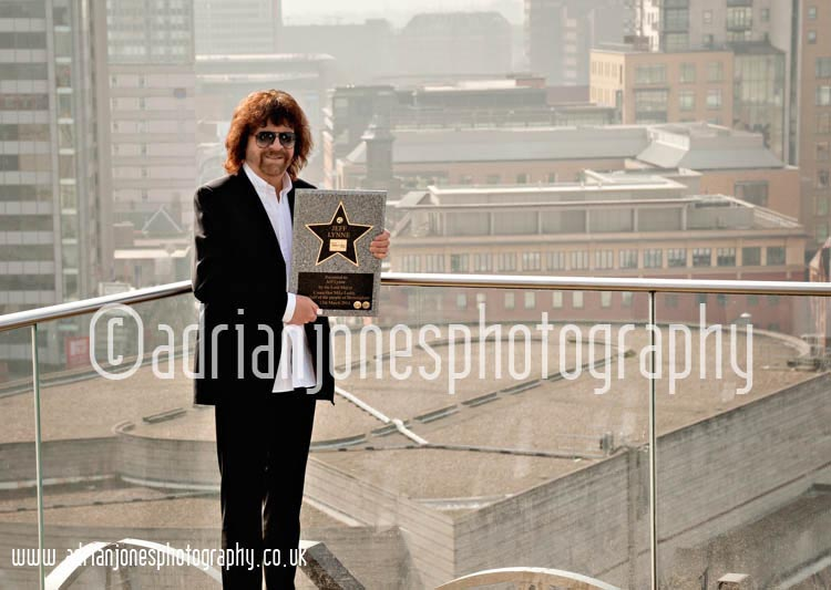 Jeff-Lynne-Receives-Walk-of-Stars-award-Birmingham