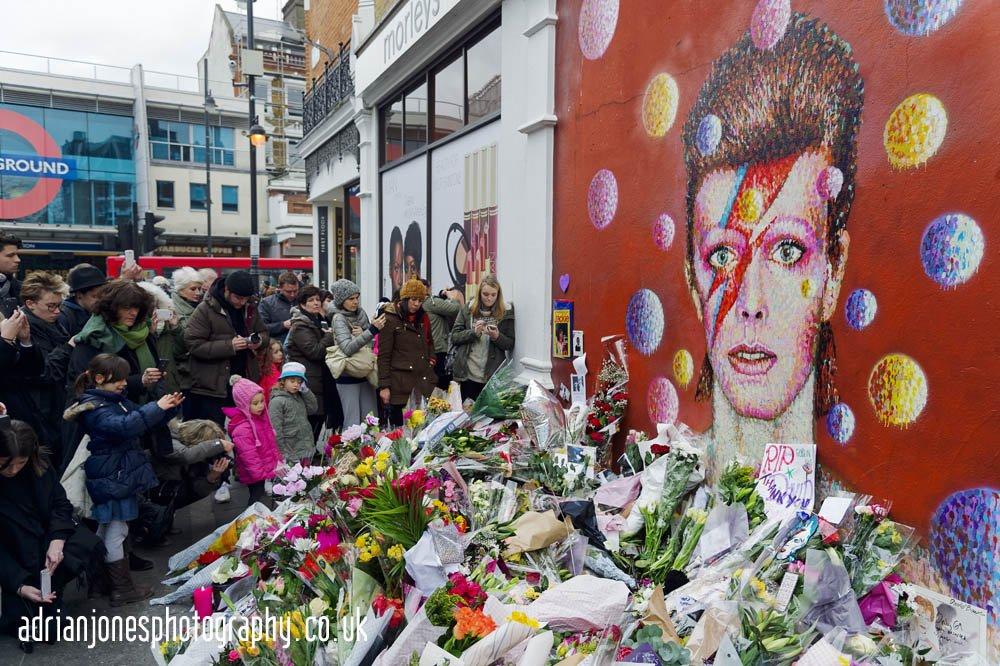 David_Bowie_Death_Brixton_Memorial
