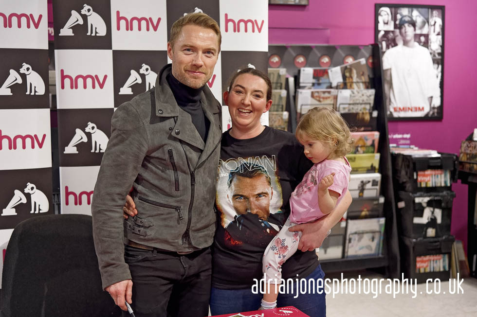 Ronan-Keeting-HMV-Birmingham-Meets-Fans