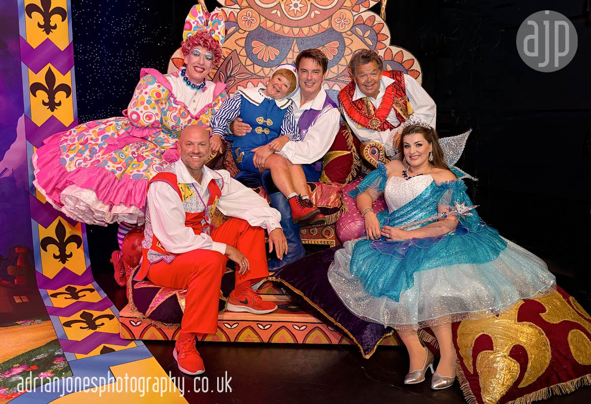 pantomime-brum-hippodrome-2016-dick-whittington-cast