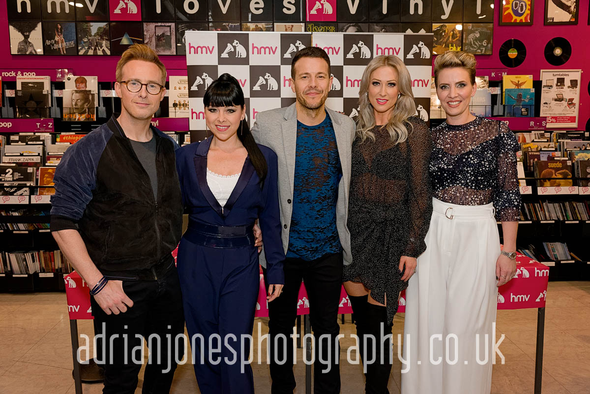 Steps-Signing_Birmingham-Event-Photographer